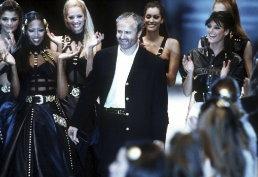 Gianni Versace On Runway With Naomi Campbell, Christy Turlington and Linda Evangelista Fall 1992