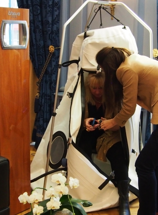 SIHH 2014 Roberta Naas Braving the Breva Hyperbaric Chamber