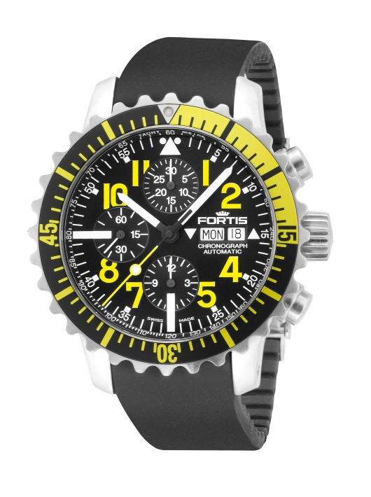Black Rubber Strap on a Fortis Mens 671.24.14 K B-42 Marinemaster Chronograph Watch