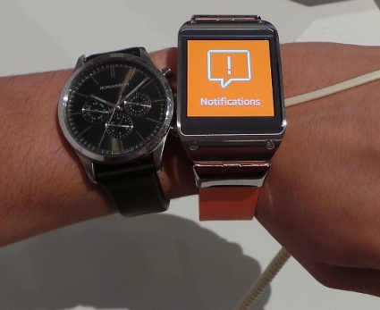 Samsung Galaxy Gear and Classic Watch