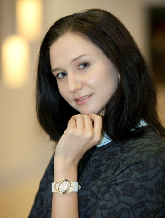 Liubov Charkashyna With RSW Loop
