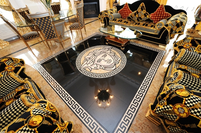 The world of versace versace fashion house of versace for Arredamento versace