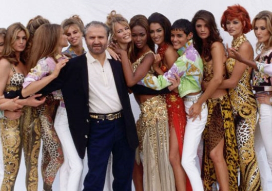 Gianni Versace with Linda Evangelista and other Super Models